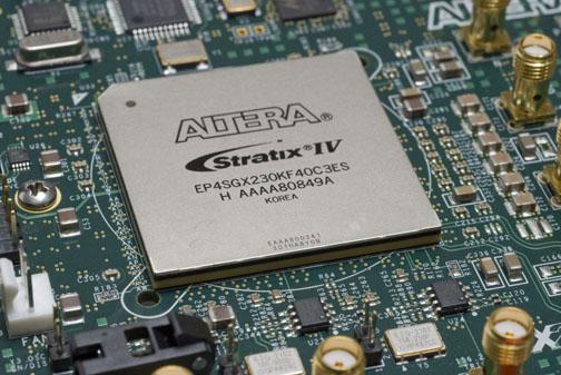 Altera_StratixIVGX_FPGA.jpg