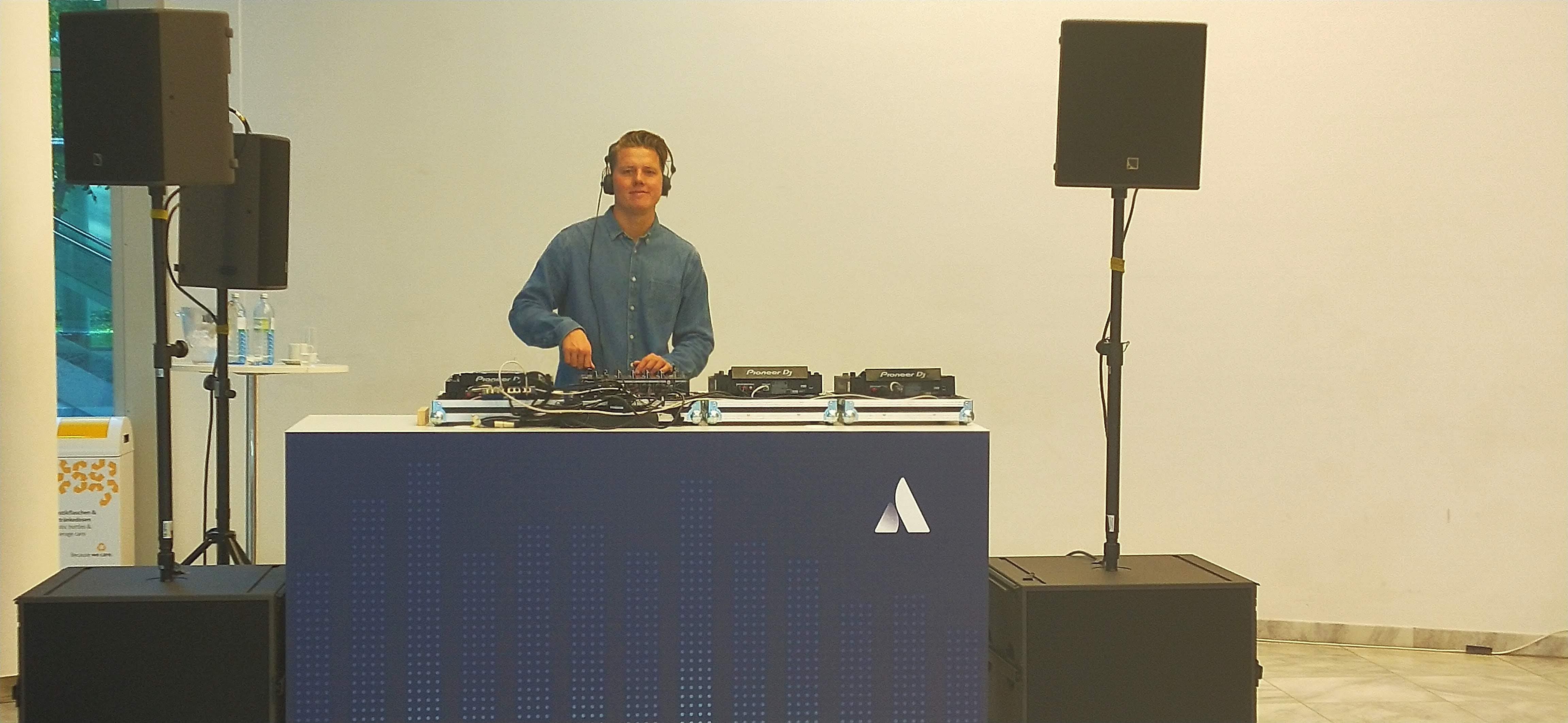 Thanks to the DJ at Atlas Camp 2019, Vienna