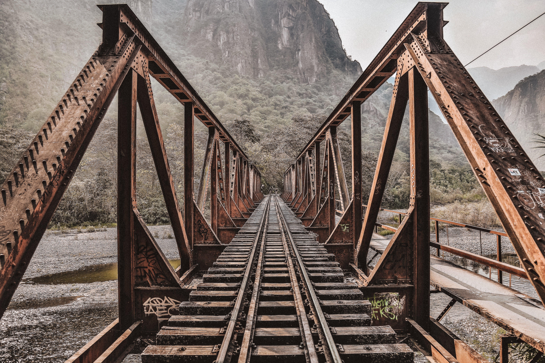 rusty-rails.jpg
