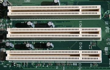 1200px-PCI_Slots_Digon3.jpg
