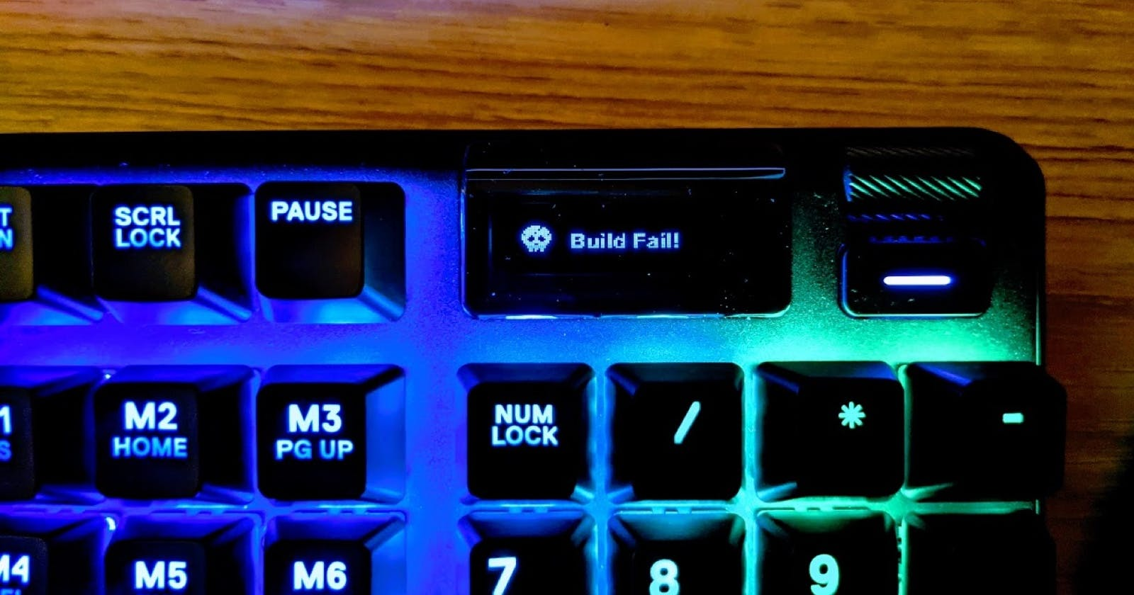 How I made my keyboard flash red when the build breaks on CI 🚨