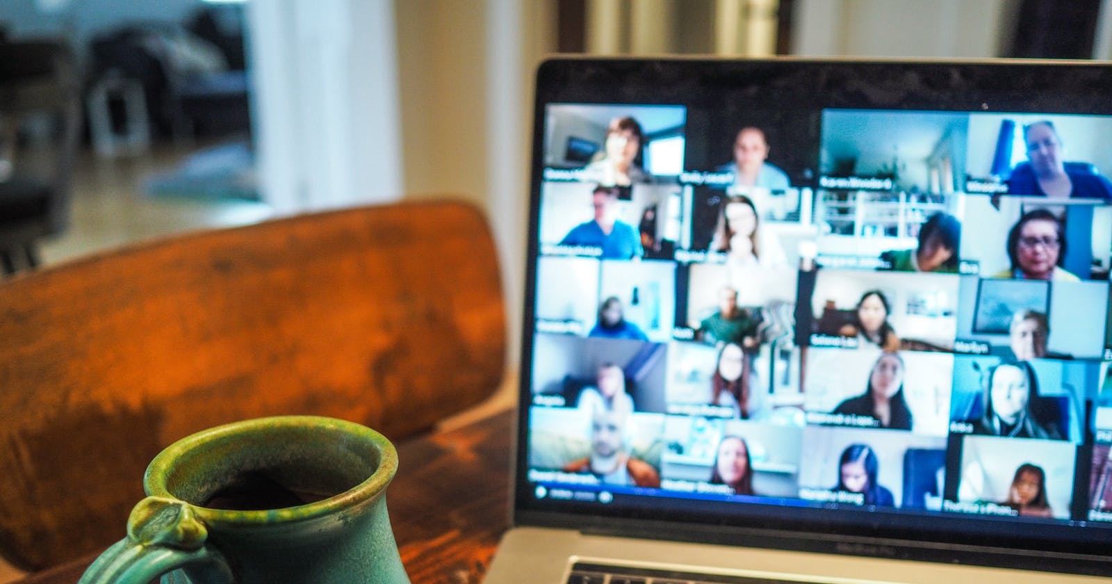 16 Tips on How to Make Remote Meetings More Efficient (+ Apps & Tools)