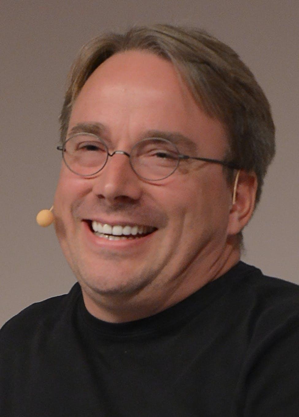 LinuxCon_Europe_Linus_Torvalds_03_(cropped).jpg