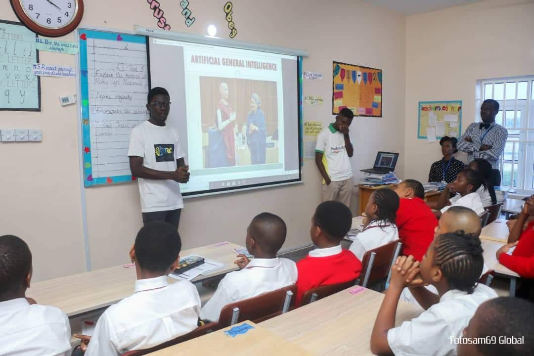 Port Harcourt School of AI hangout with school kids in partnership with BRG