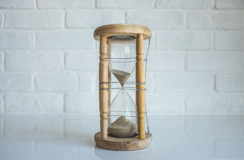 sand-in-an-hourglass.jfif